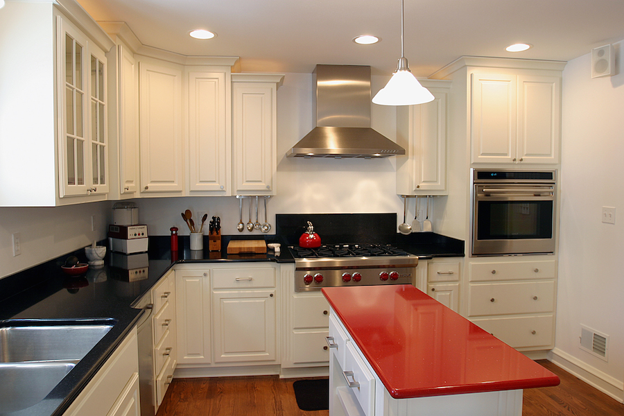 Wauwatosa Colonial Kitchen Black Countertop ...
