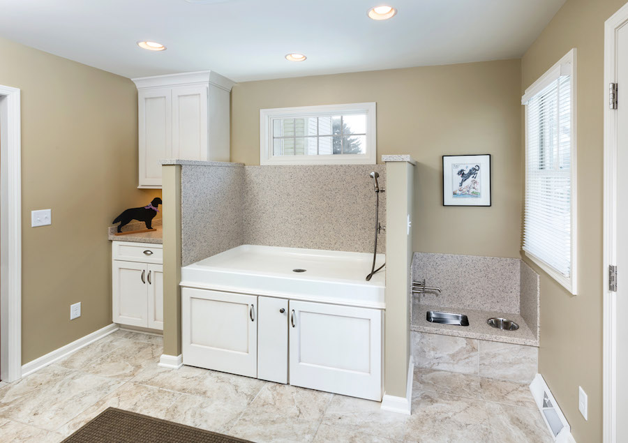 Racine mudroom addition for dogs sj janis for Mudroom addition plans